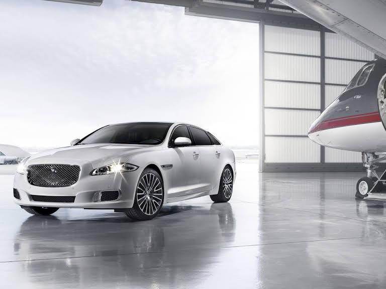 Jaguar XJ Limousine Hire Kr. Såby