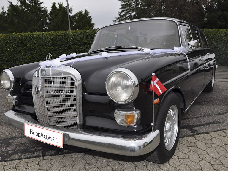 mercedes 200d l for hire in lille skensved bookaclassic. Black Bedroom Furniture Sets. Home Design Ideas